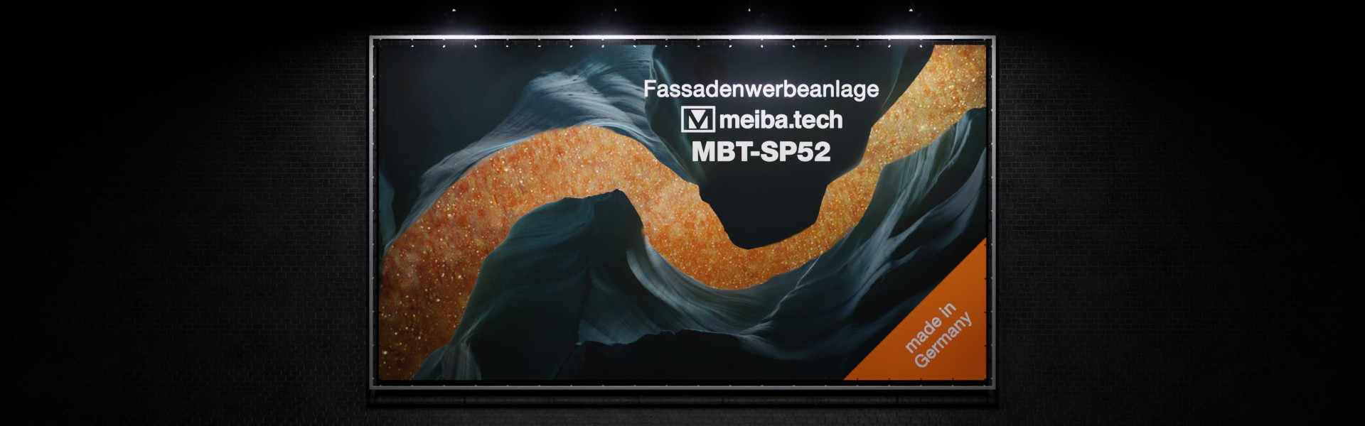 MBT-SP52: Modular advertising system for attaching facade advertising, front view illuminated
