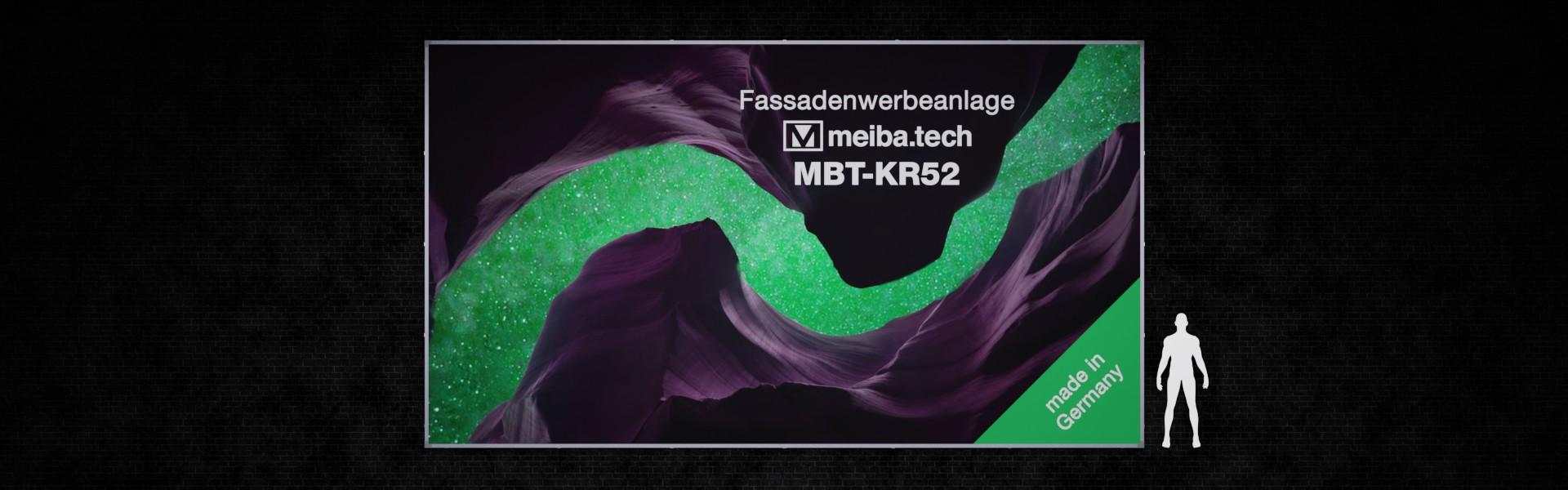 Werbeanlage MBT-KR52 für langfristige Bannerwerbung an Fassaden, Frontansicht und Größenvergleich